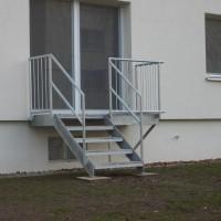 Treppe für einen Gartenausgang